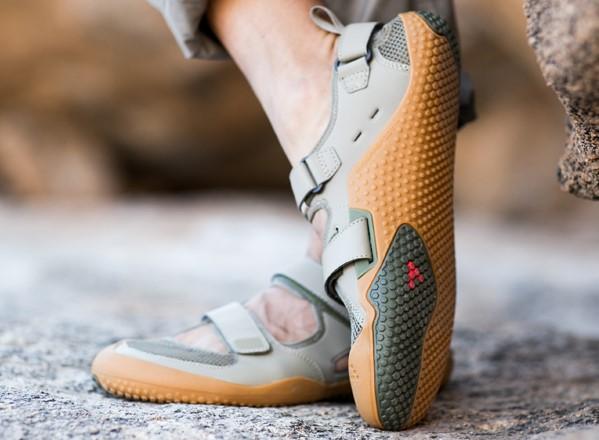 sandal runner style shoes