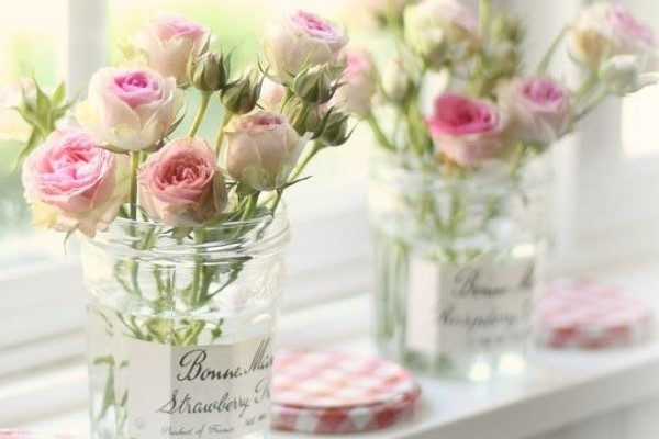 jam jar with pink roses