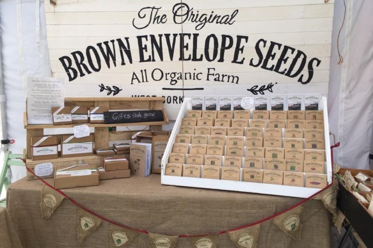 Brown Envelope Seeds