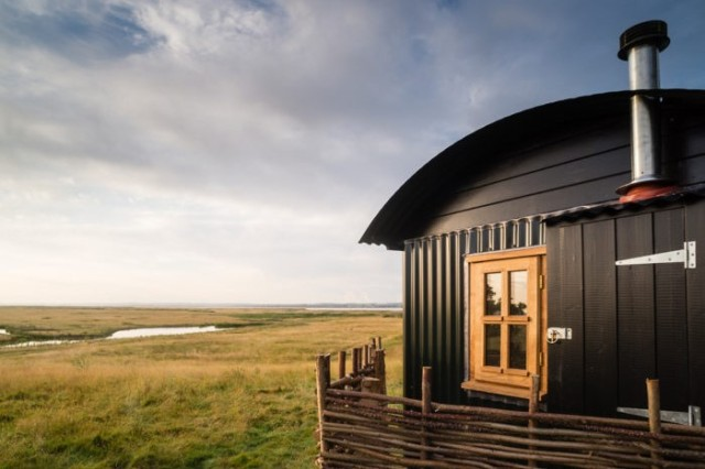 Sap phire Hut on Elmley Nature Reserve