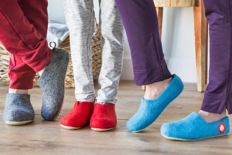 sustainable natural slippers