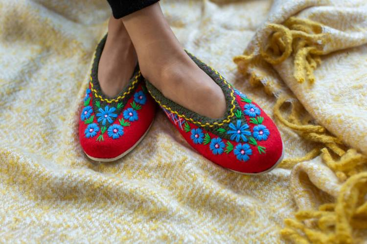 Natural Felt Slippers